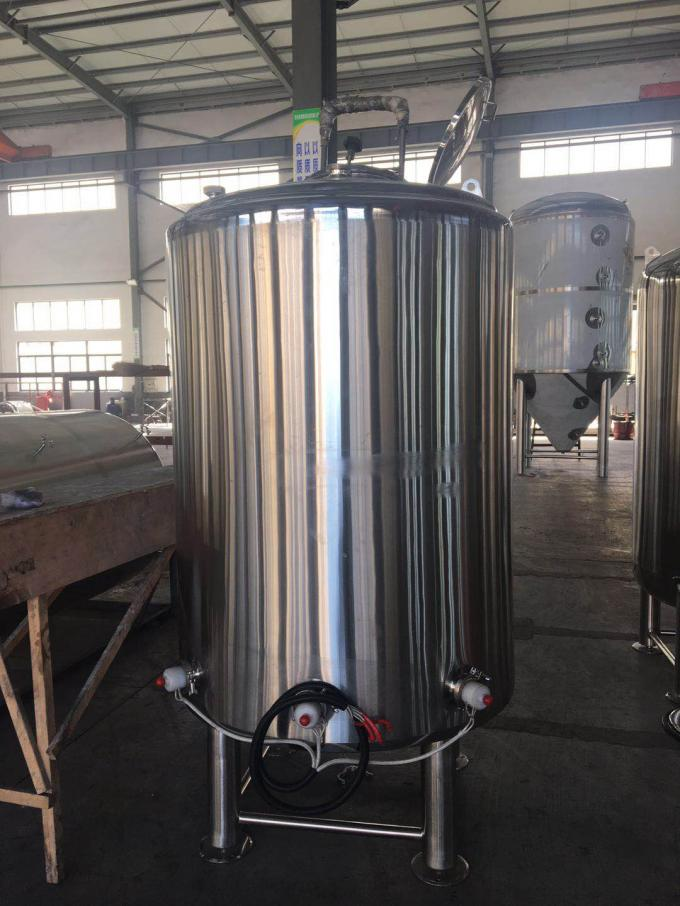 Sanitary SS304 Stainless Steel Tank 1000L Capacity With 50MM Polyurethane Insulation