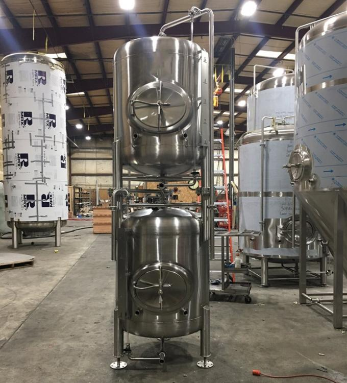 500 L Vertical 304 Stainless Steel Bright Beer Tank , Beer Serving Tanks