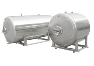 China Food - Grade Stainless Steel Beer Brewing Tanks Horizontal Side / Top Manway supplier